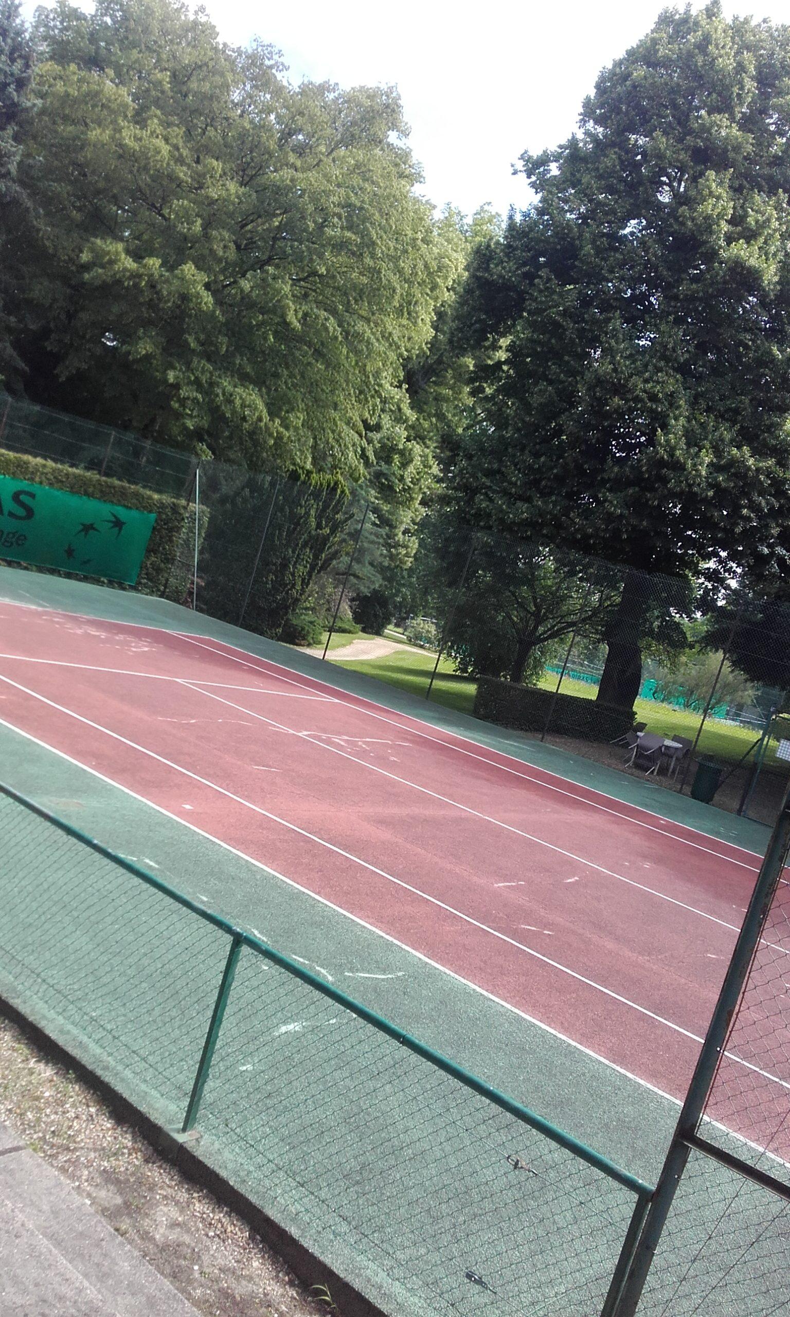 renovation-court-de-tennis-beton-poreux-versailles-bnp-paribas-avant1