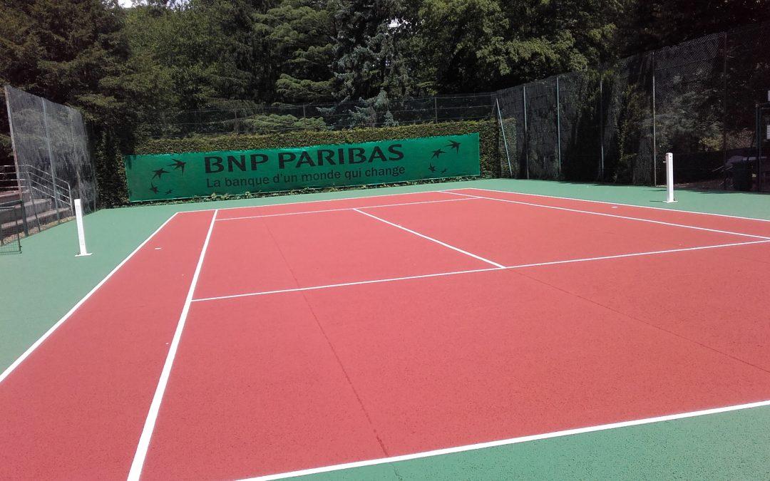 Rénovation d'un court de tennis en béton poreux de la BNP-PARIBAS à Versailles