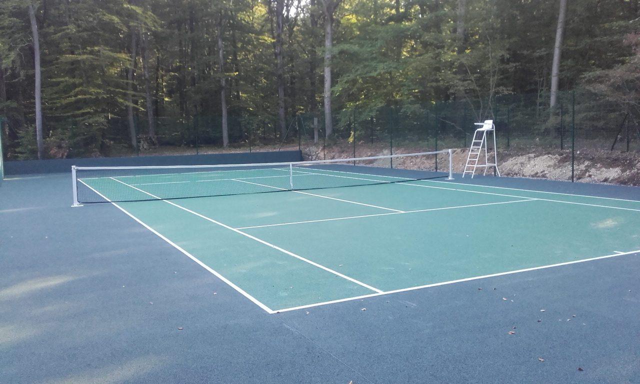 tennis-beton-poreux-final-milieu-menille